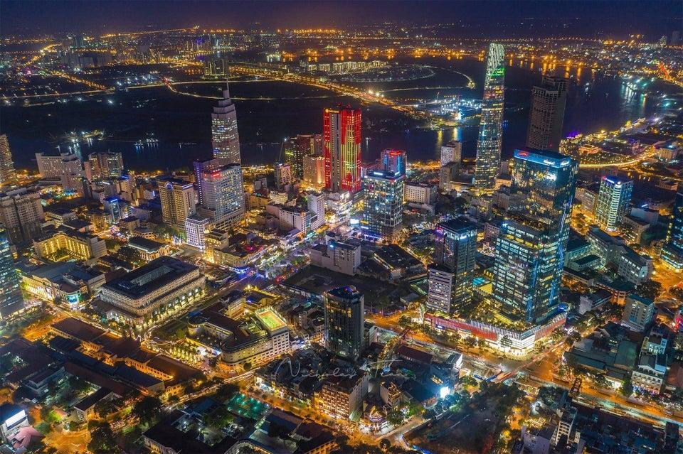 r/CityPorn - The lights of District 1, Ho Chi Minh City - Saigon, Vietnam