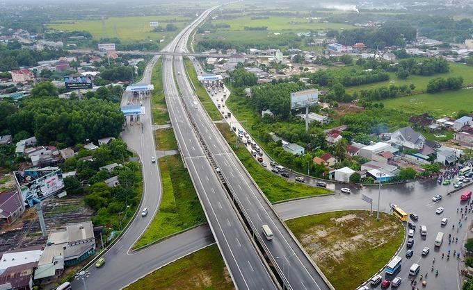 胡志明市-龙城-油秒高速公路目前将与潘切-油秒高速公路相连。照片:琼尘